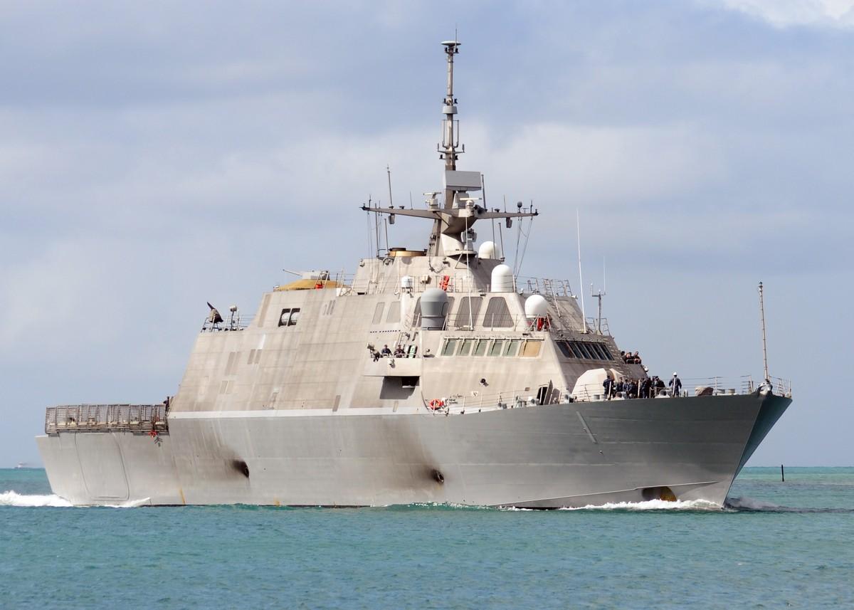 연안전투함의 승조원 수를 늘리기로 결정한 미 해군