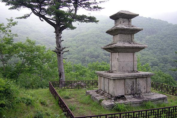 선본사 삼층석탑