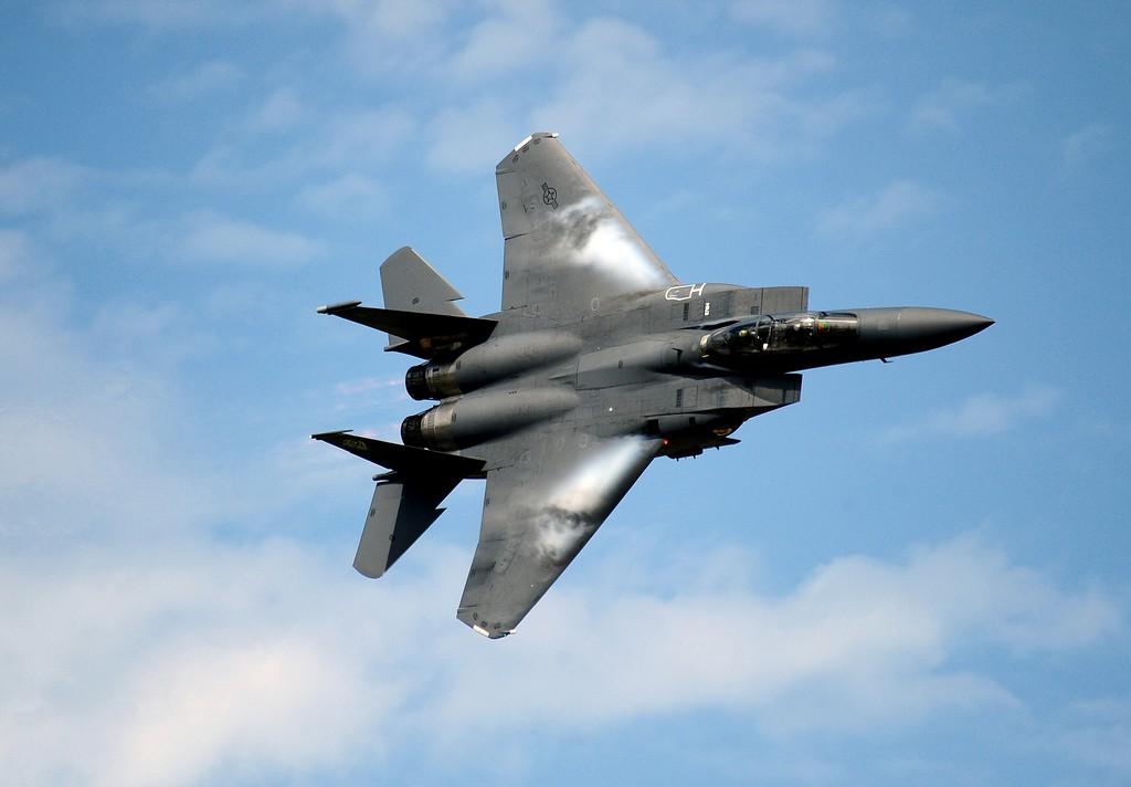2011년에 무기 수출이 전년대비 3배로 뛰어오른 미국