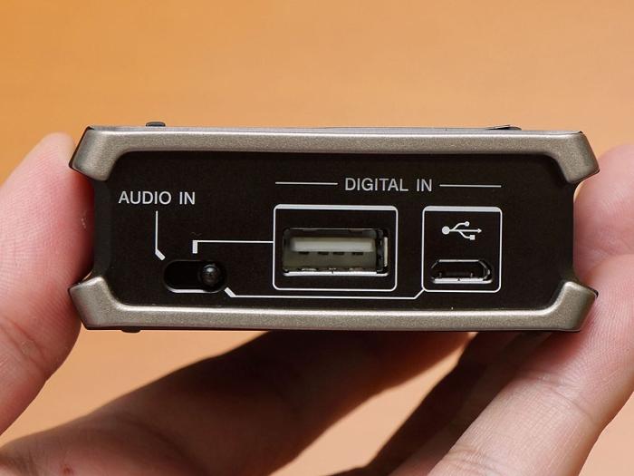 소니도 휴대용 헤드폰 엠프를 내 놨더군요.