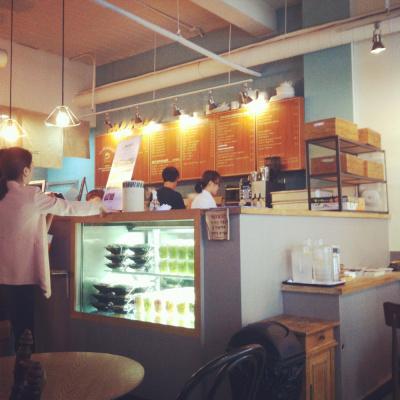 CAFE MAMAS: 시청맛집/ 라코타치즈샐러드/모짜렐..