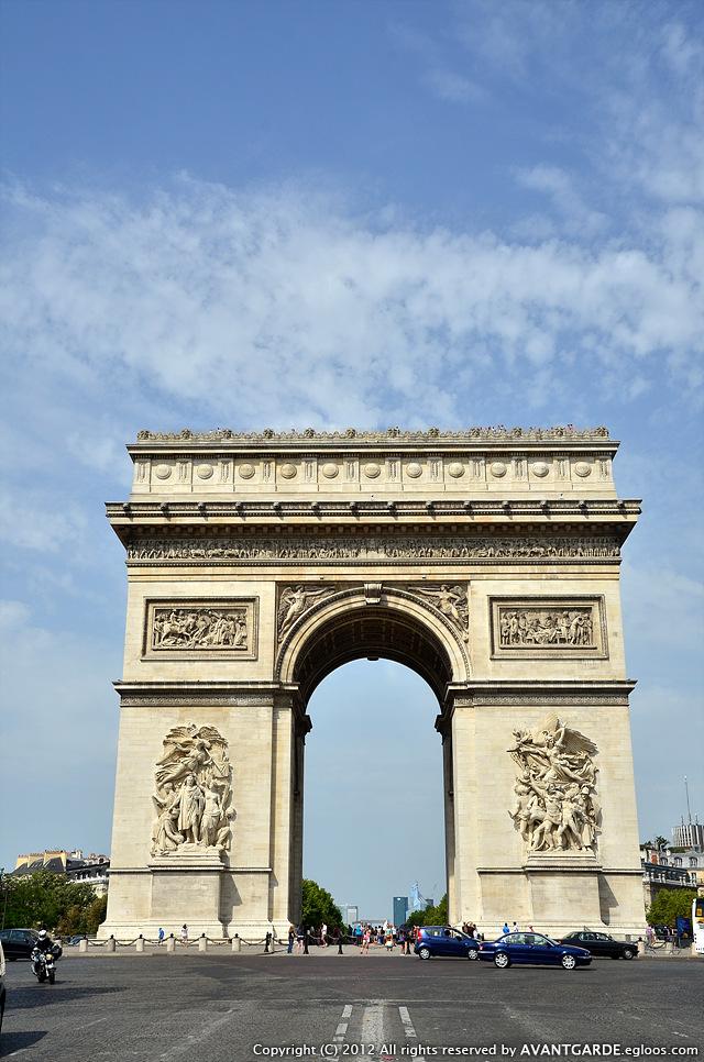 19일 : 파리 - 샹젤리제 거리