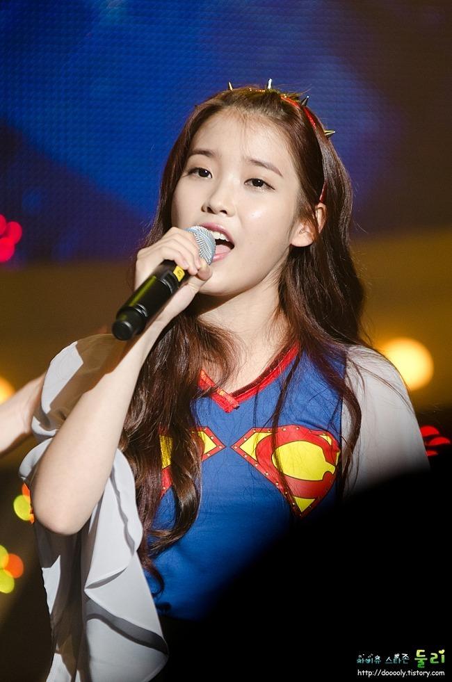121026 아이유 - 이승환 콘서트 '차카게살자' 게스트