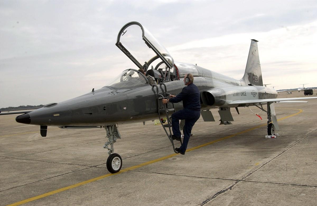미 공군의 T-X 사업에 새로운 개념으로 접근하는 보잉