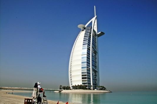 두바이 여행간 묵었던 Burj Al Arab.