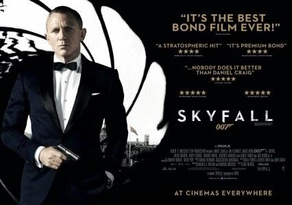 007 스카이폴 - 옛것과 새것, 절묘한 줄타기