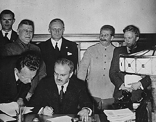 """""""1939년에 소련이 영불에게 요구한 것은?"""""""