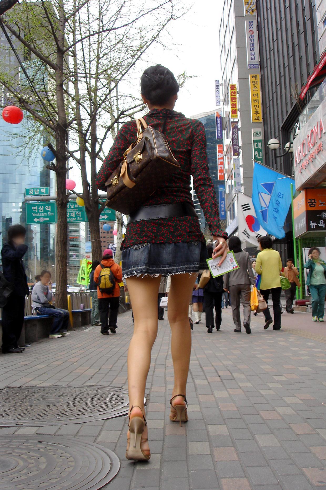 デニムのミニスカート大好き人間集合11 [無断転載禁止]©bbspink.comYouTube動画>2本 ->画像>1003枚