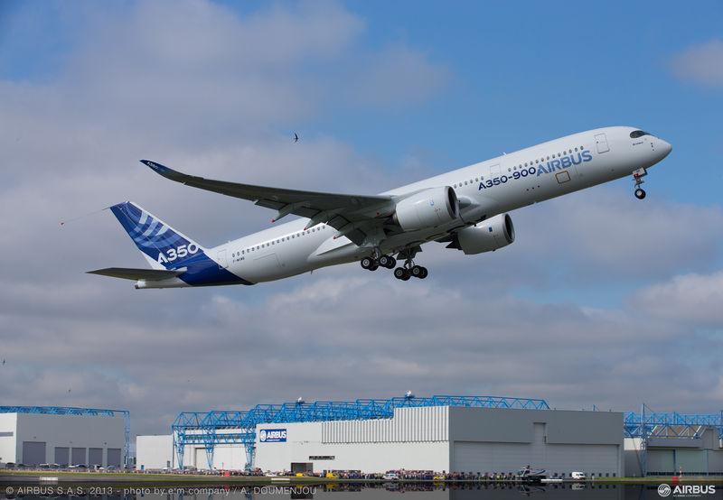 보잉 777의 맞수 에어버스 A350 XWB 첫비행 성공