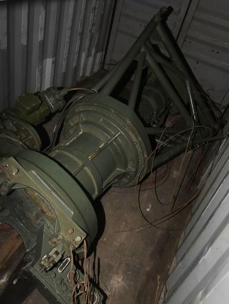 청천강호에 실린 군사물품 사진들.....