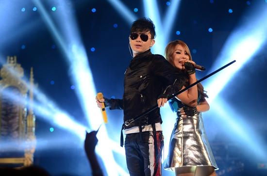 이승환 & CL(씨엘) - 디스코 DISCO