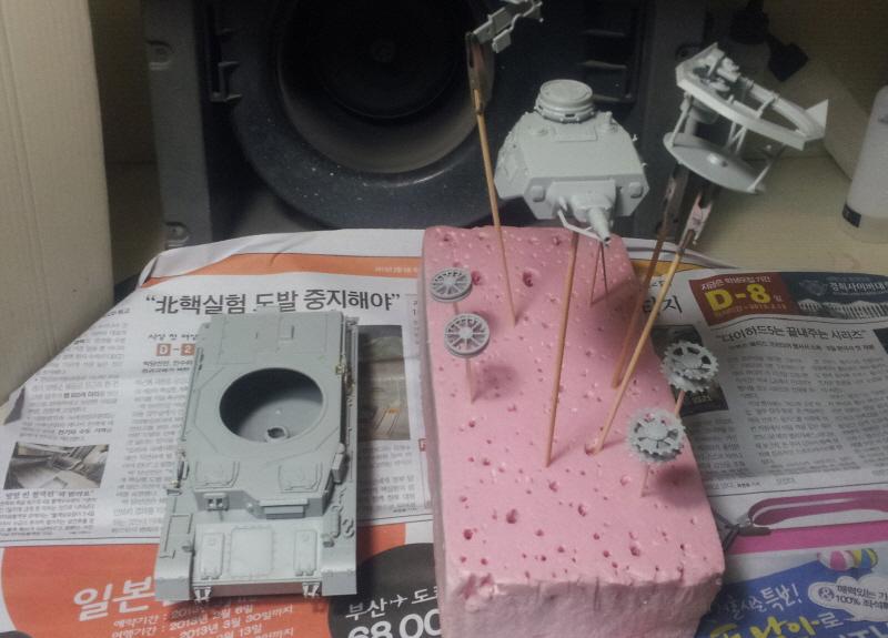 [Girls & Panzer / 4호전차 D형] 서페이서 올..