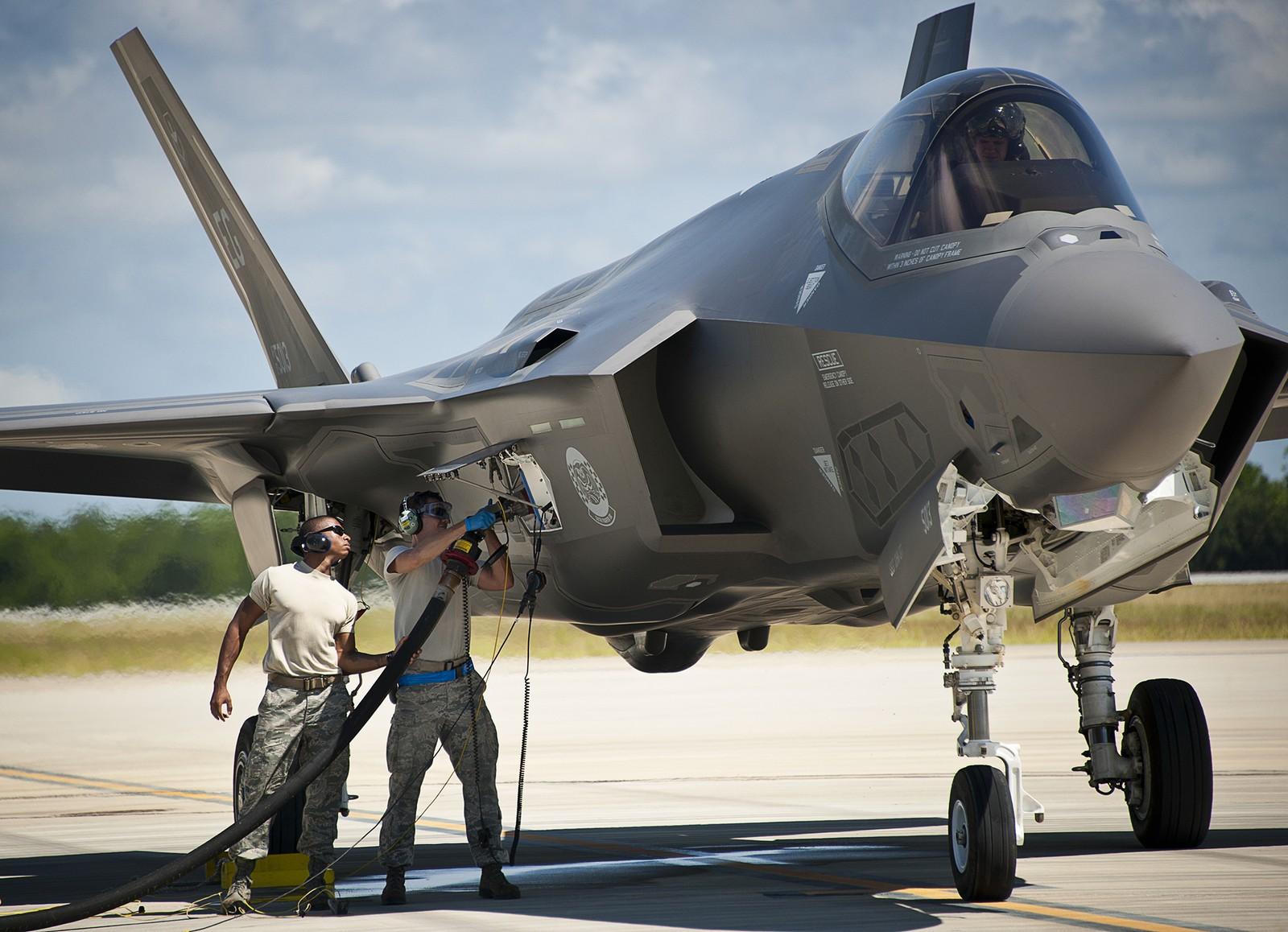 F-35 전투기 도입을 승인한 네덜란드 의회