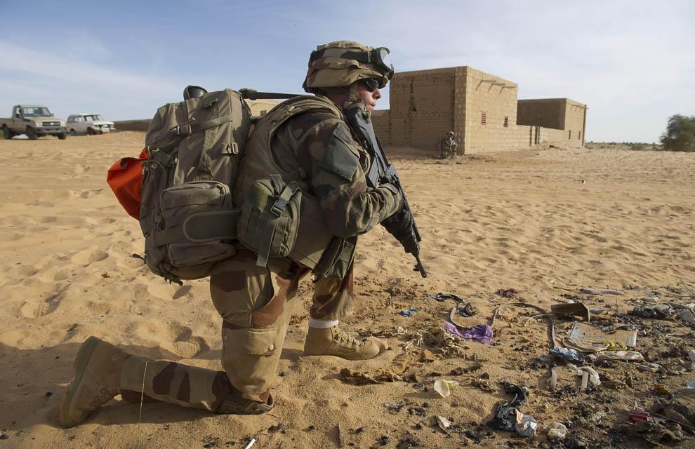2013년도 국방장비 관련 예산을 축소하는 프랑스