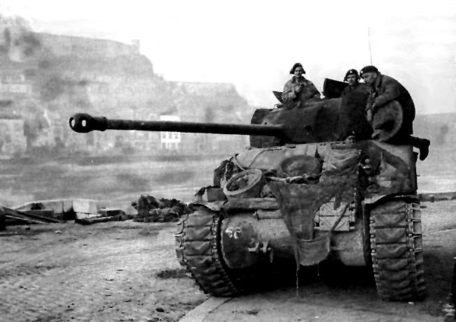 미국 최초의 제대로 된 중(中) 전차 M4 셔먼 (10)..