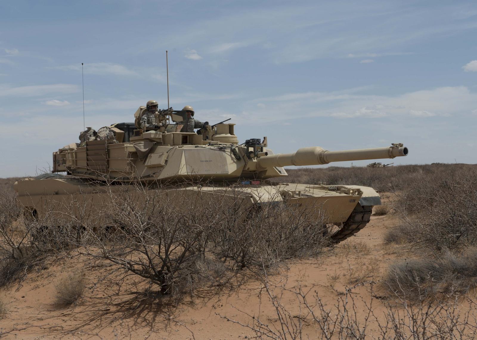 M1 전차의 엔진 개량을 평가해야 하는 미 육군