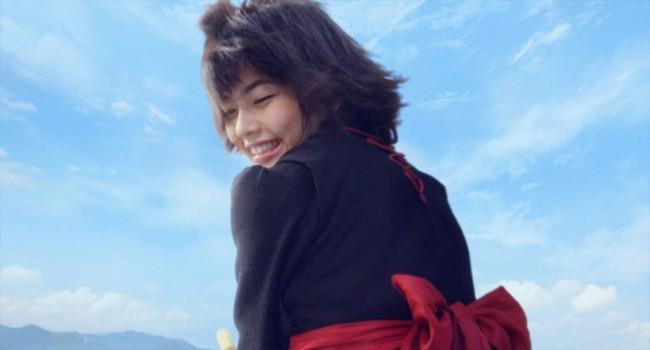 실사 영화 '마녀배달부 키키' 관련 사진 또 몇장 공개