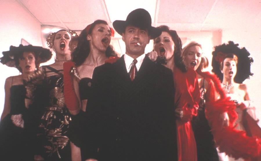 노래하는 탐정 (The Singing Detective, 2003)