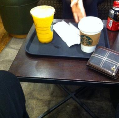 다 못마신 한잔의 커피, cgv옆 강남역점 스타벅스 ..