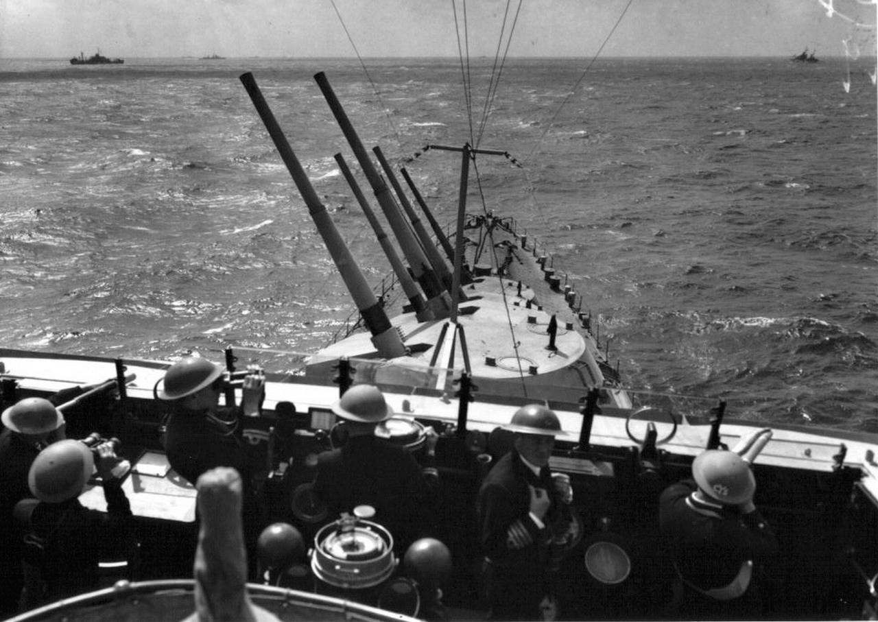 2차 대전 영국 순양함 시리즈 -④ 경순양함 : 完