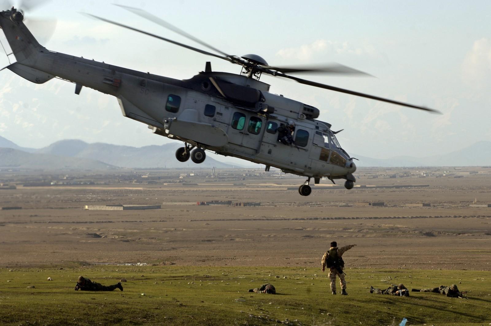 헬기 전력의 수송능력을 늘리려는 프랑스군 外