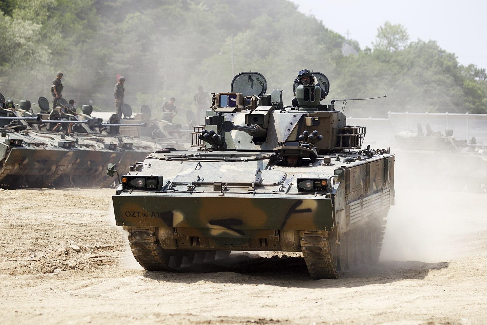 수도기계화보병사단 K-21 장갑차 전투사격훈련