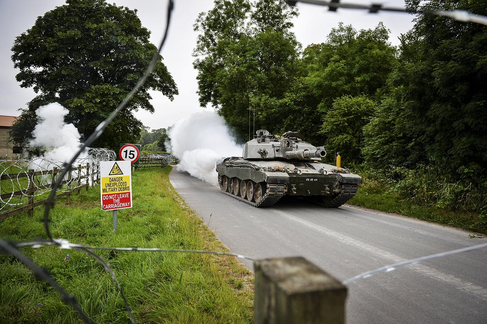 Lion Strike 훈련에 참가한 영국육군 주력전차 Cha..