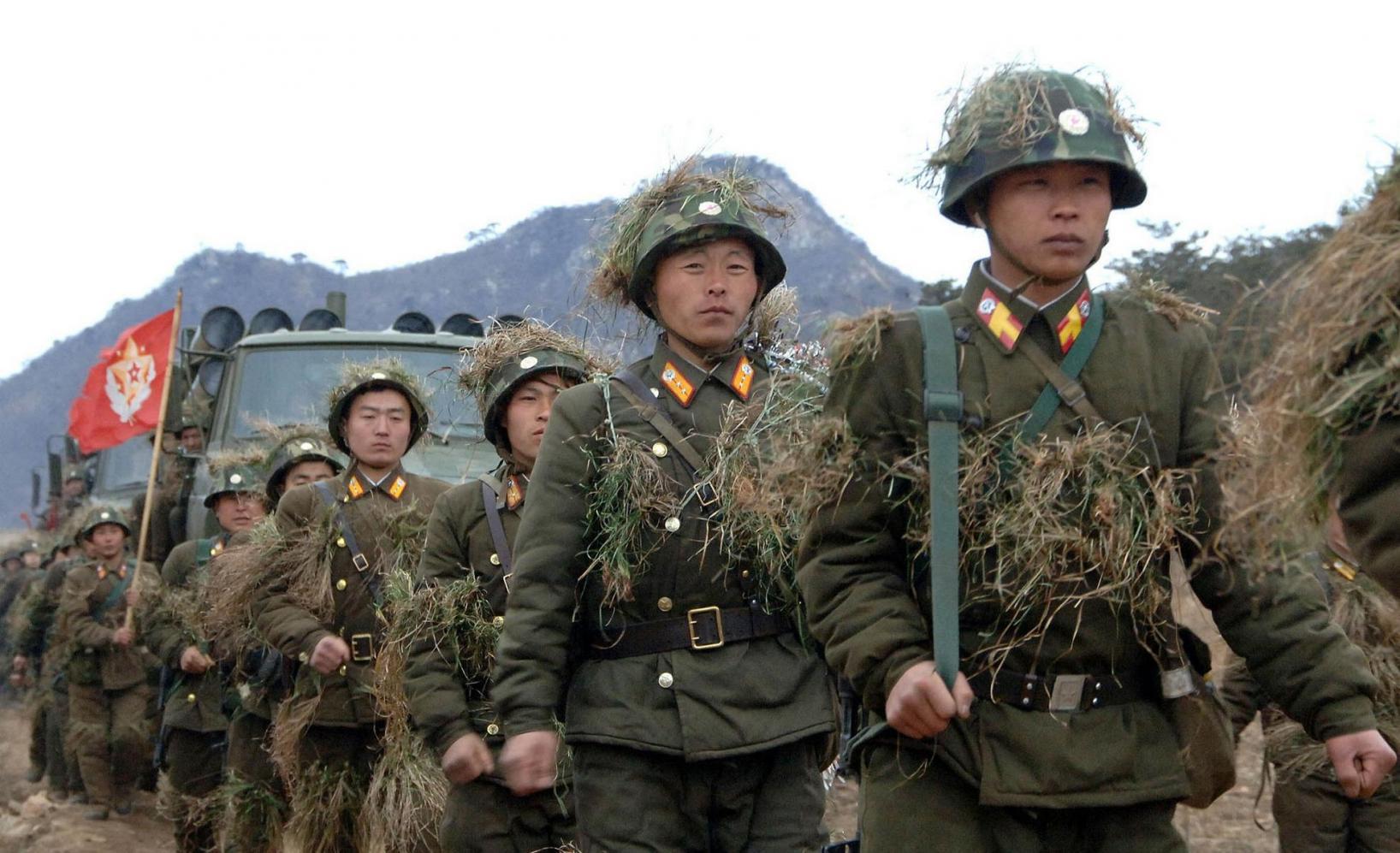 북한여군 의무병력제 도입,군복무기간 연장된다