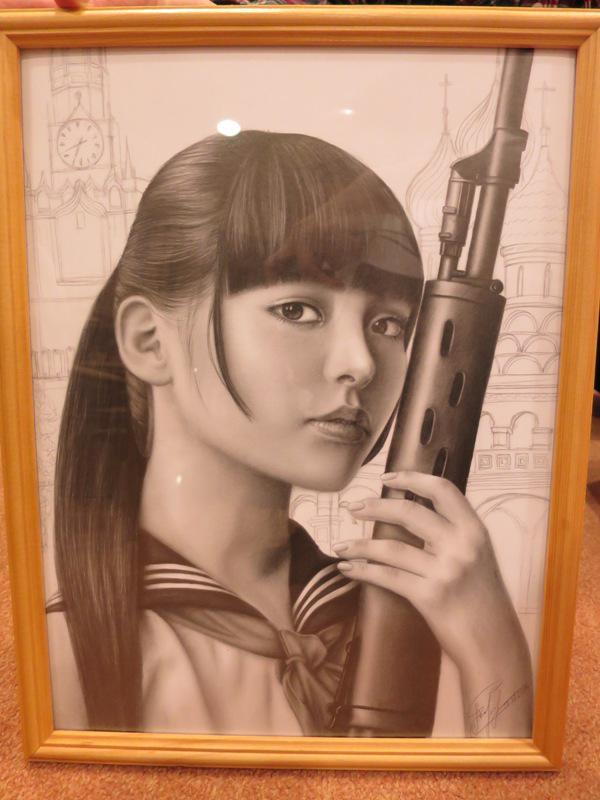 성우 우에사카 스미레를 그린 연필 그림이 멋지군요.