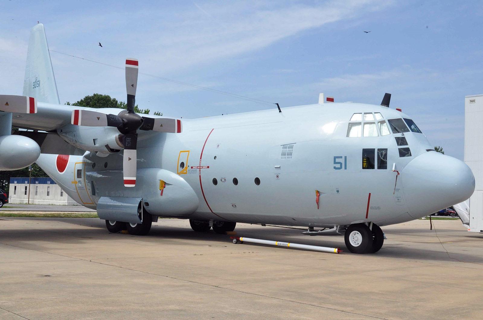 건쉽으로 개조가능한 일 자위대 KC-130R 중고기 6대..