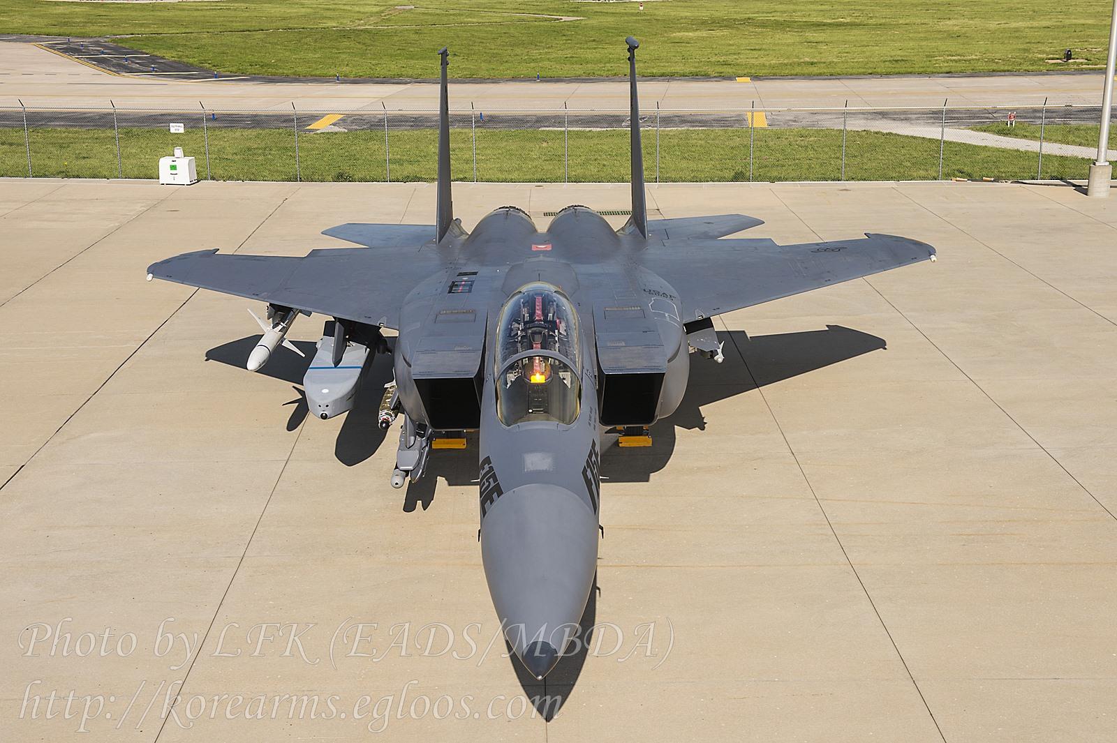 북한 전역 공격 가능한 Taurus 미사일 장착 F-15E..