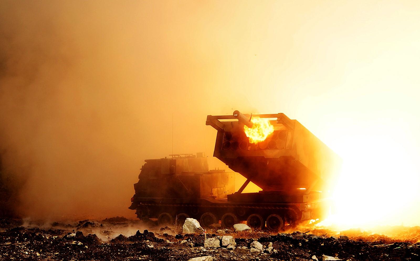 한미연합 MLRS 전투사격훈련