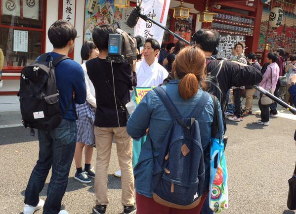 NHK 취재팀이 '칸다묘진'에서 러브라이브 x 게이머..