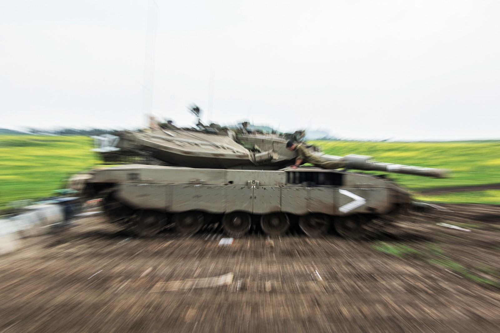 Golan 고원에서 훈련중인 이스라엘육군 Merkava..