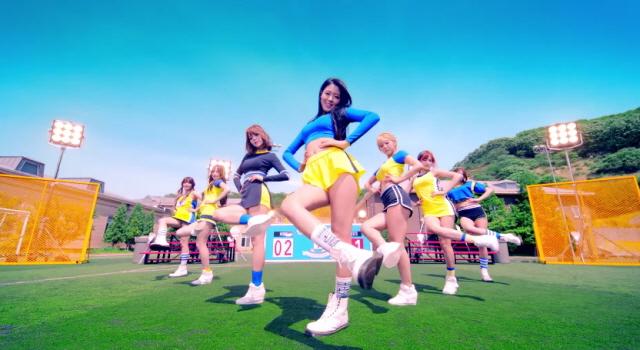 아이돌 뮤직비디오의 공통점