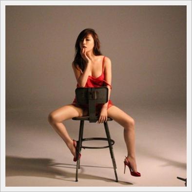 하마사키 아유미의 미유&각선미를 드러낸 섹시 사진에..