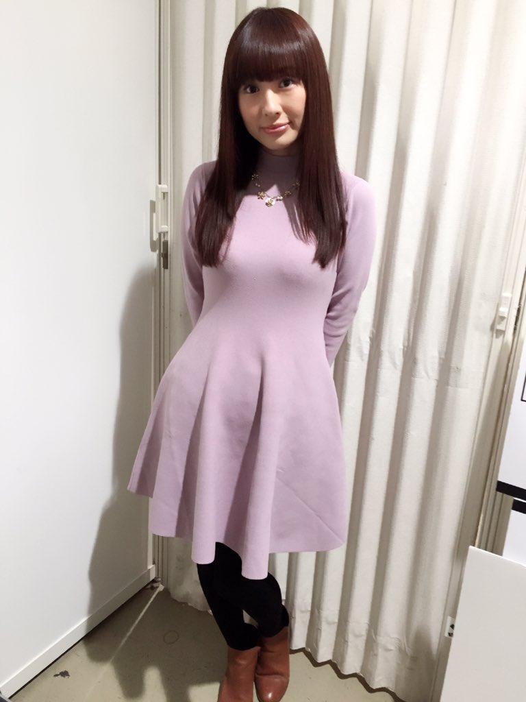 성우 테루이 하루카씨의 사진, 의상이 무척 멋져 보..