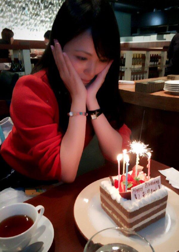 성우 미카미 시오리, 만 27세 생일 축하 사진이랍니다.