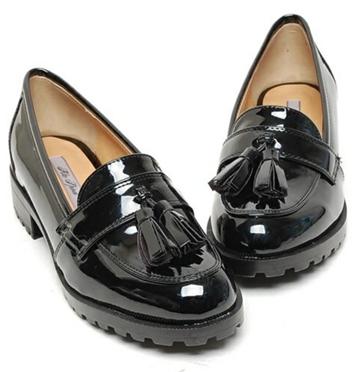 봄 맞이 새 신발을 사고 싶다:-)