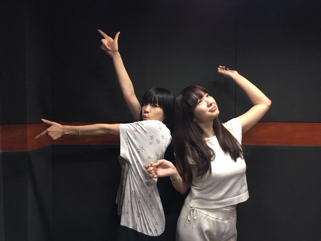 성우 스와 아야카 & 테루이 하루카의 사진, 포즈가..
