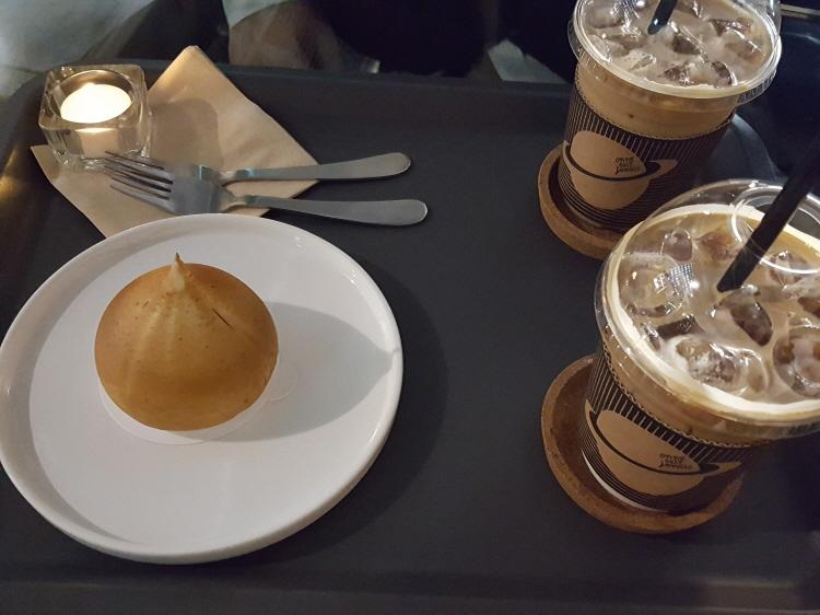판교 옹느세자매 몽블랑, 딸기티라미수, 커피