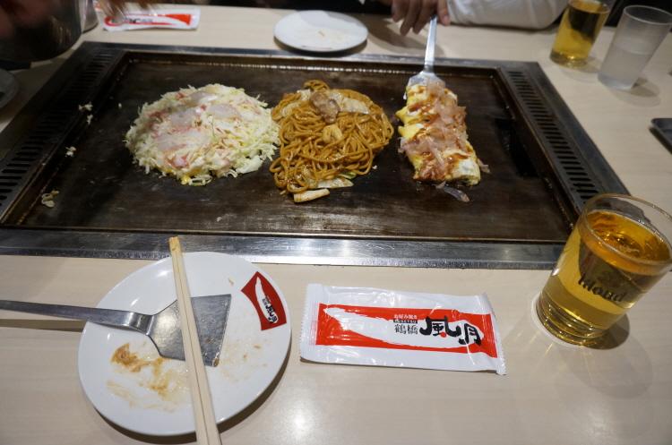 홍대 풍월 (쯔루하시 후게츠) 오꼬노미야끼, 야끼소바, 돈뻬이야끼 오사카세트 , 맥주