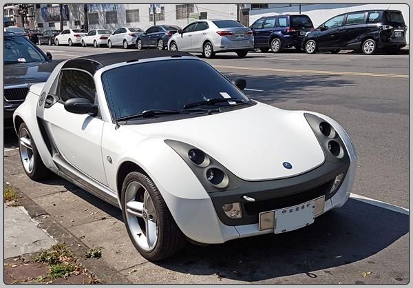 오랜만에 본 스마트 로드스터 Smart Roadster
