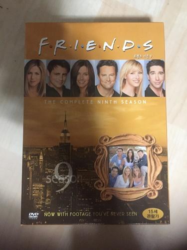 """""""프렌즈"""" 시즌 9 DVD를 샀습니다."""