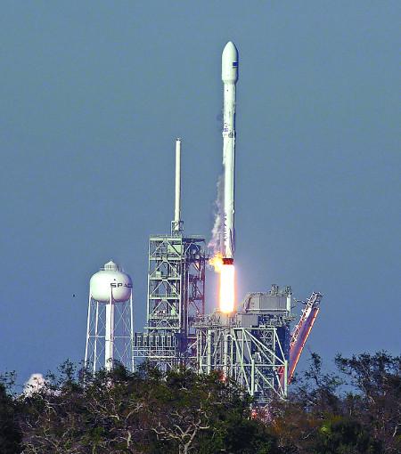 스페이스 X, 로켓 재사용 발사 첫 성공