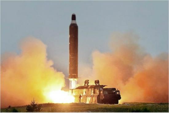 북의 미사일 발사, 꼴통 언론과 자한당의 반응