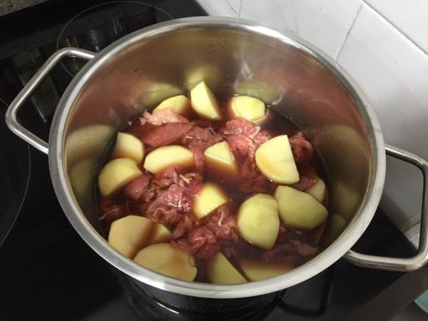 달달하게 맛난 니쿠자가 감자조림