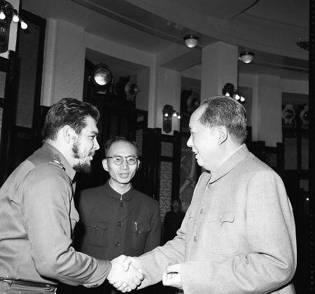 카스트로의 쿠바와 모택동의 중국...