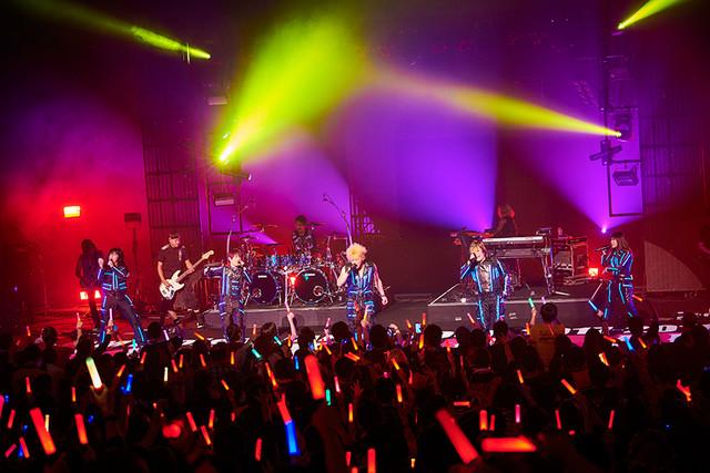 잼 프로젝트의 라이브 투어가 2017년 11월 2일에 시작..