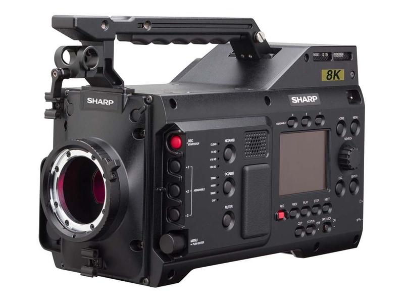 8K 카메라를 맨처음 샤프가 만드네요.